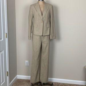 Lafayette 148 NY 2 piece Suit Sz 4 Wool Blend